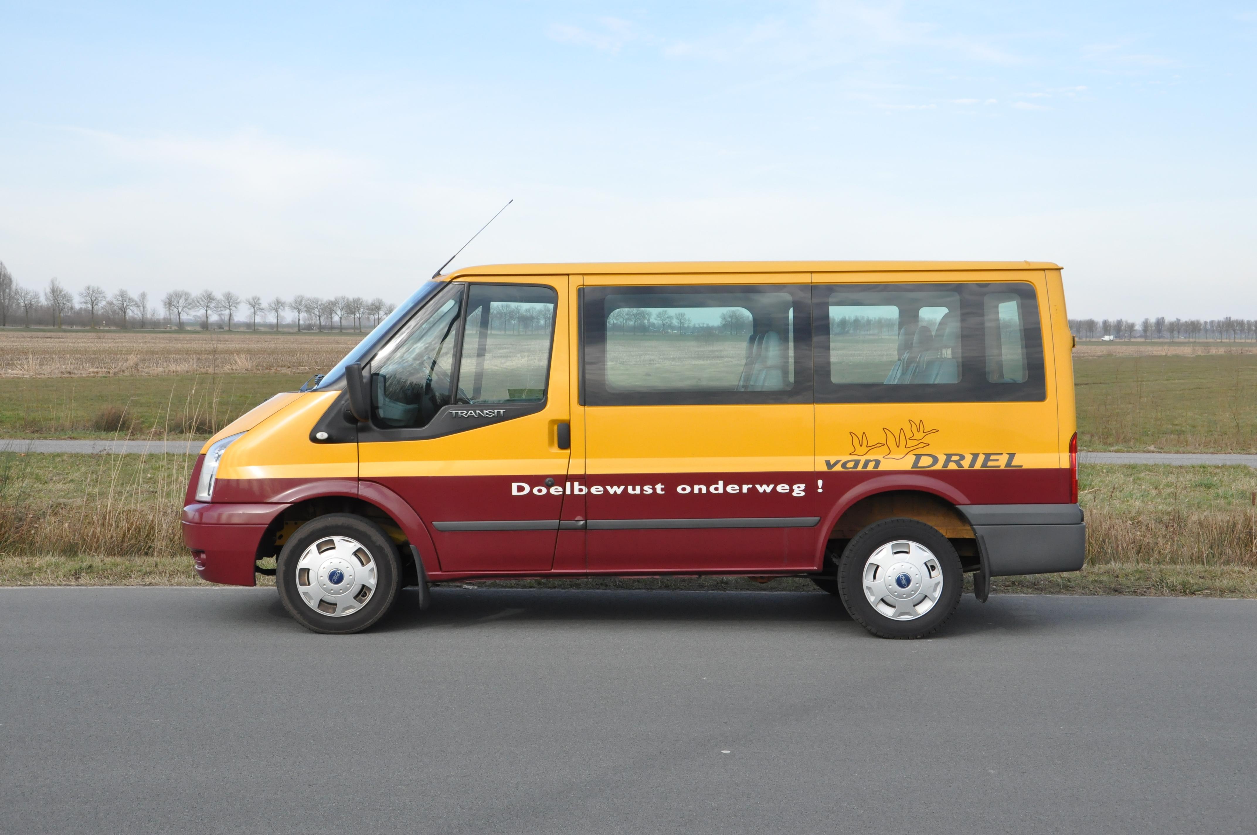 Van-driel-busje-geel